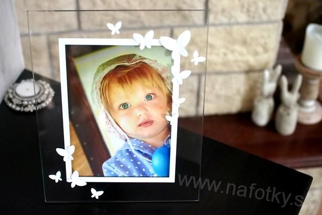 A326 WHITE BUTTERFLY FRAME 13x18