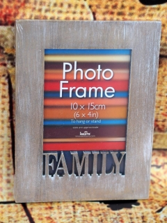WOOD FAMILY 10x15